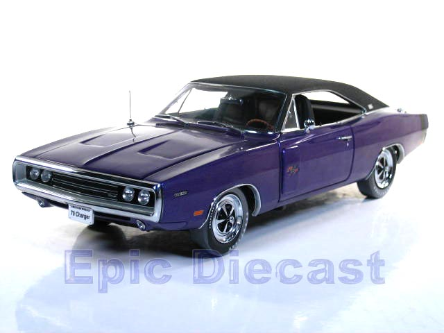 1970 Dodge Charger R/T Hemi Plum Crazy Purple 39502 Diecast Cars